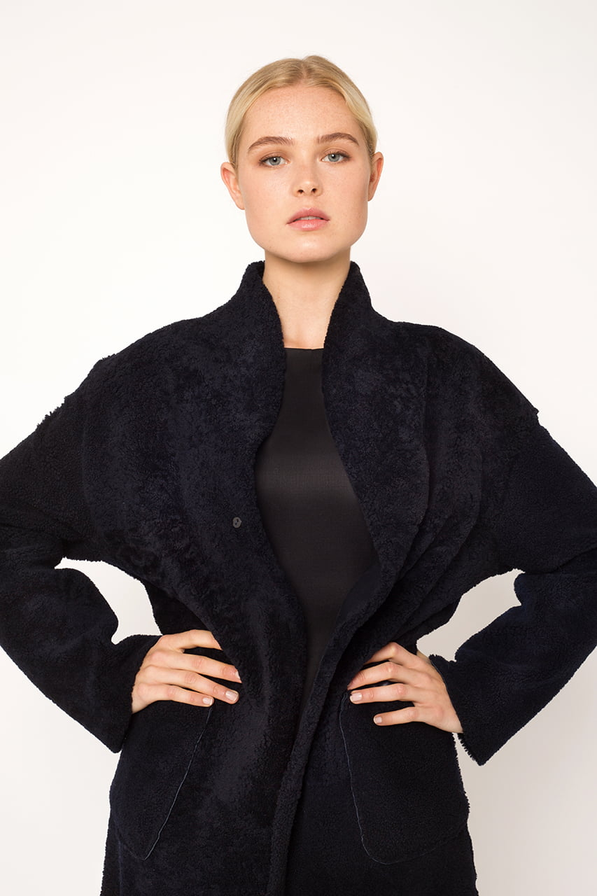 Black sheepskin coat1