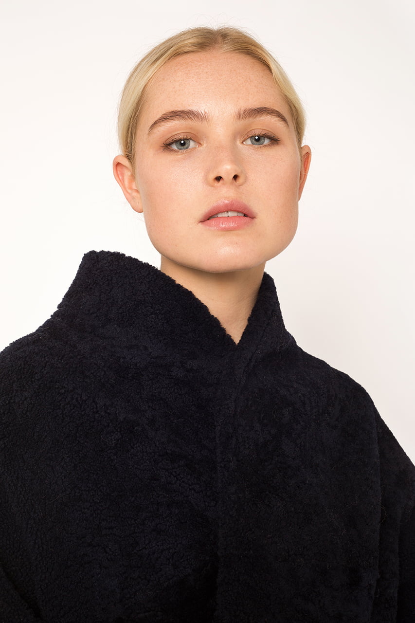 Black sheepskin coat2